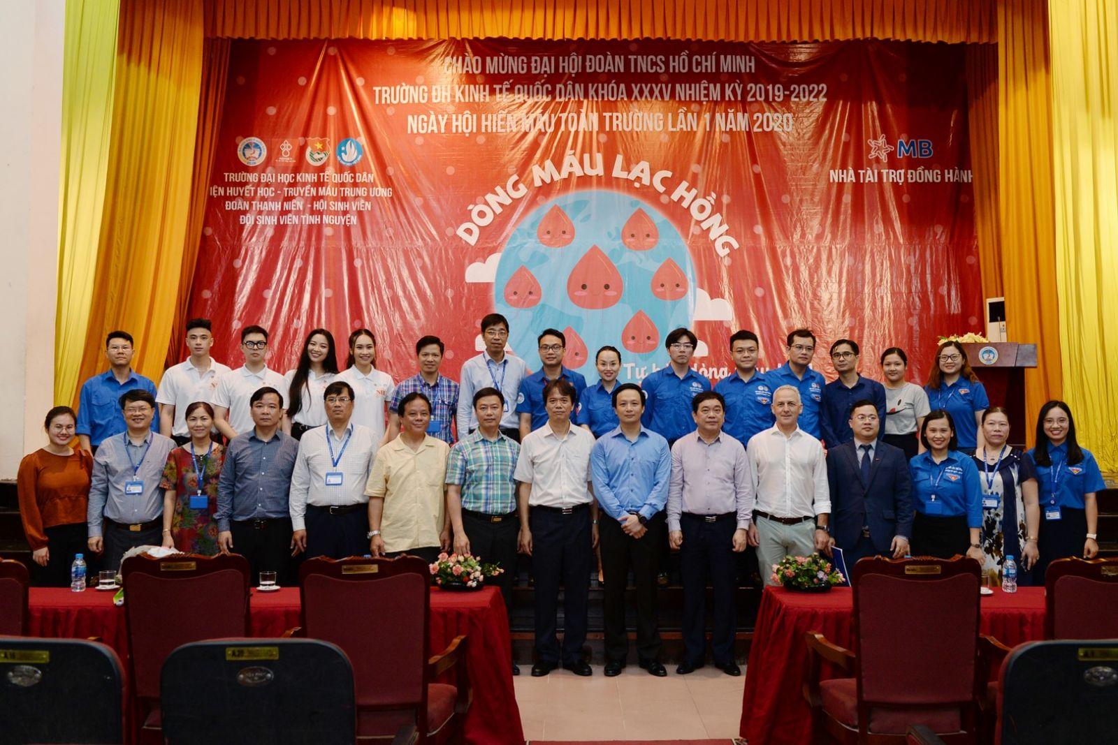 Phát động chương trình Hiến máu nhân đạo lần thứ I năm 2020 và Khai mạc triển lãm ảnh chào mừng Đại hội Đoàn TNCS Hồ Chí Minh Trường Đại học Kinh tế Quốc dân lần thứ XXXV
